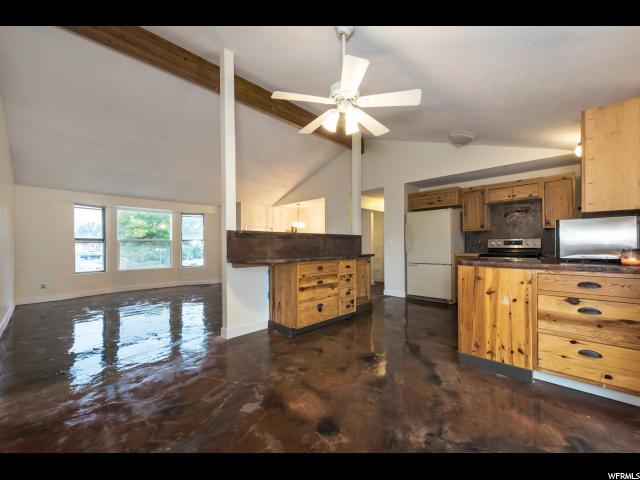 Additional photo for property listing at 6115 W 4303 S 6115 W 4303 S West Valley City, Utah 84128 États-Unis