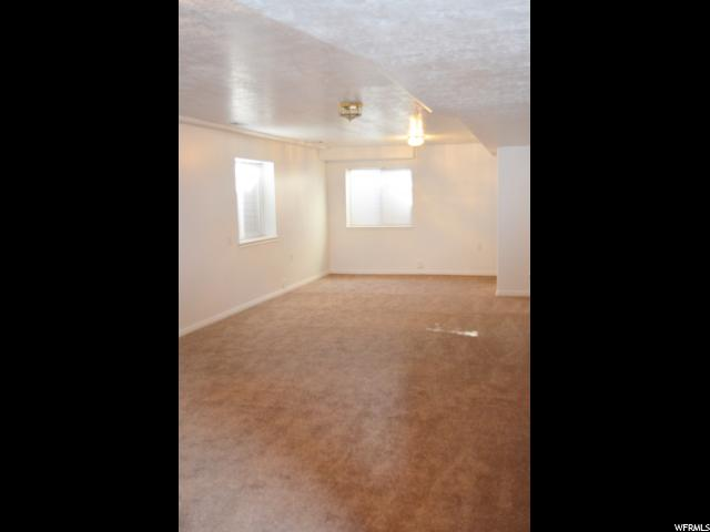 Additional photo for property listing at 2123 W MARBLEWOOD Drive 2123 W MARBLEWOOD Drive Unit: 11 Riverton, Utah 84065 Estados Unidos