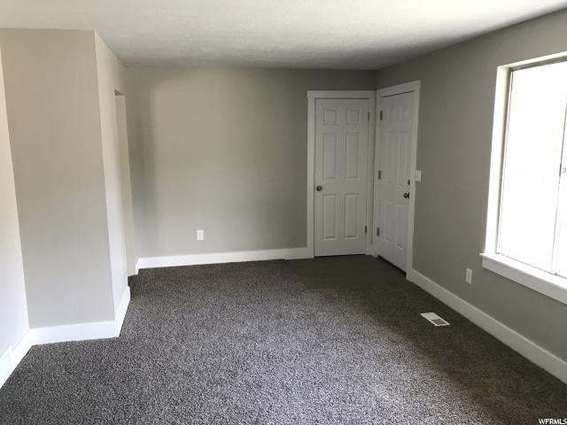 Additional photo for property listing at 231 W 5300 S 231 W 5300 S Washington Terrace, Utah 84405 Estados Unidos