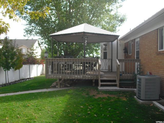 Additional photo for property listing at 102 E 500 N 102 E 500 N Vernal, Utah 84078 United States