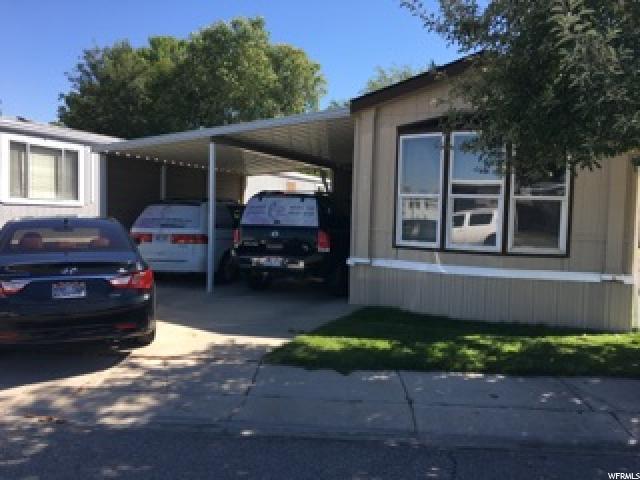 واحد منزل الأسرة للـ Sale في 1195 PARKWAY 1195 PARKWAY West Valley City, Utah 84119 United States