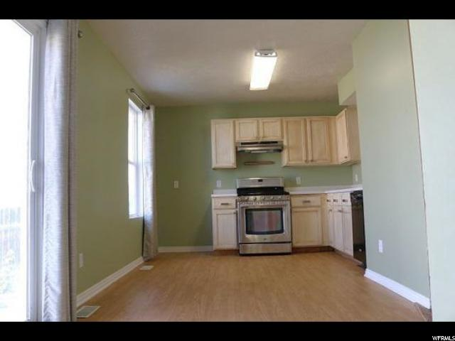 Additional photo for property listing at 727 N 350 W 727 N 350 W Tooele, 犹他州 84074 美国