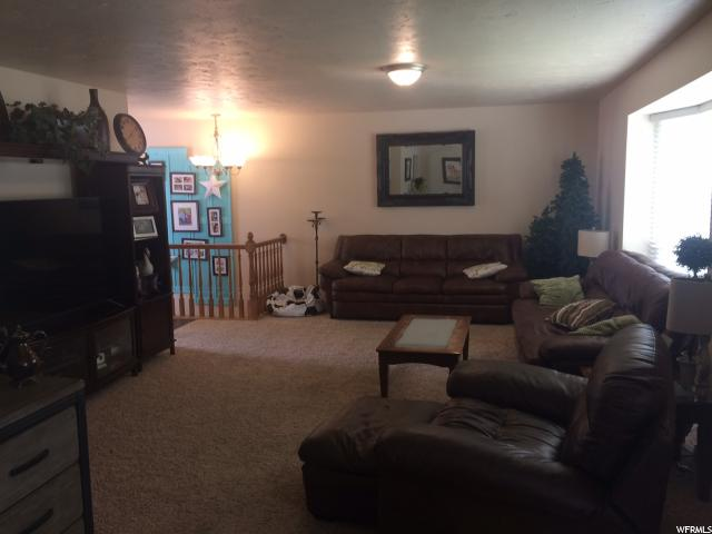 Additional photo for property listing at 11010 S 2700 W 11010 S 2700 W South Jordan, Utah 84095 United States