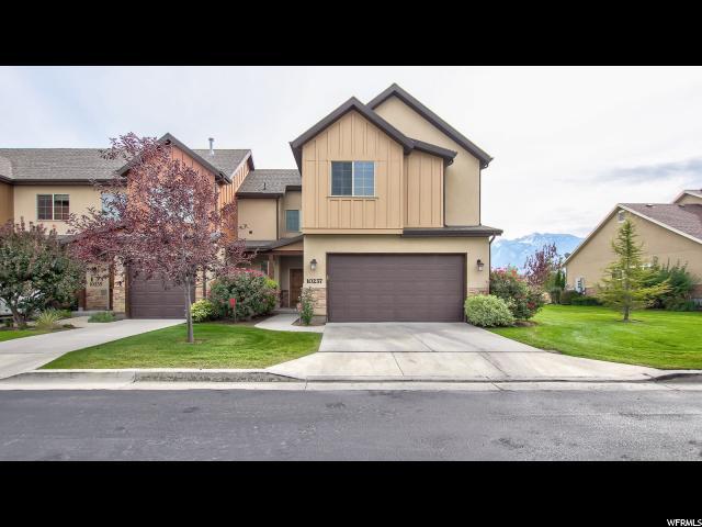 Maison accolée pour l Vente à 10237 S MYSTIC FALLS WAY 10237 S MYSTIC FALLS WAY South Jordan, Utah 84095 États-Unis