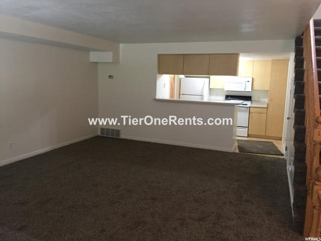 Additional photo for property listing at 5344 S 3600 W 5344 S 3600 W Unit: 3 Taylorsville, 犹他州 84118 美国