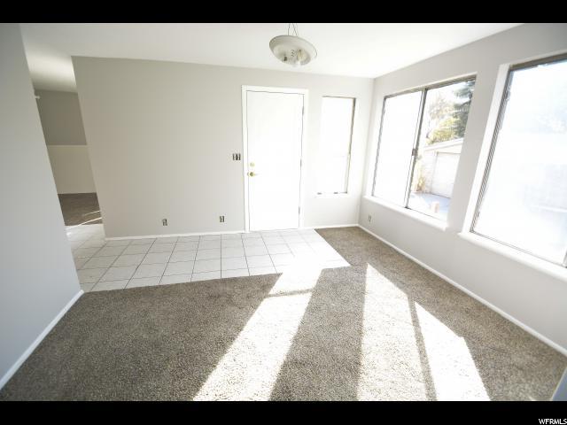 Additional photo for property listing at 3058 S LAKE Circle 3058 S LAKE Circle Millcreek, Юта 84106 Соединенные Штаты