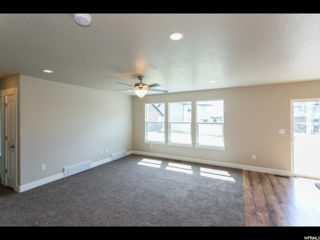Additional photo for property listing at 203 S 1230 W 203 S 1230 W Unit: 14 Spanish Fork, Utah 84660 Estados Unidos