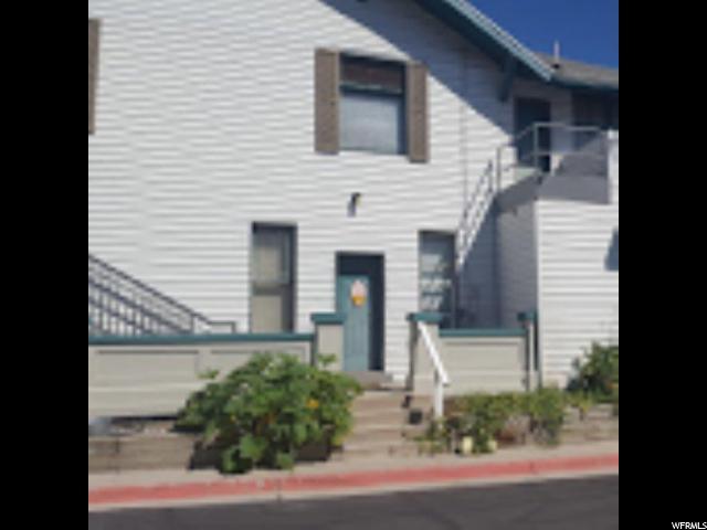 pour l Vente à 1309 E HIDDEN CREEK Court 1309 E HIDDEN CREEK Court Holladay, Utah 84117 États-Unis