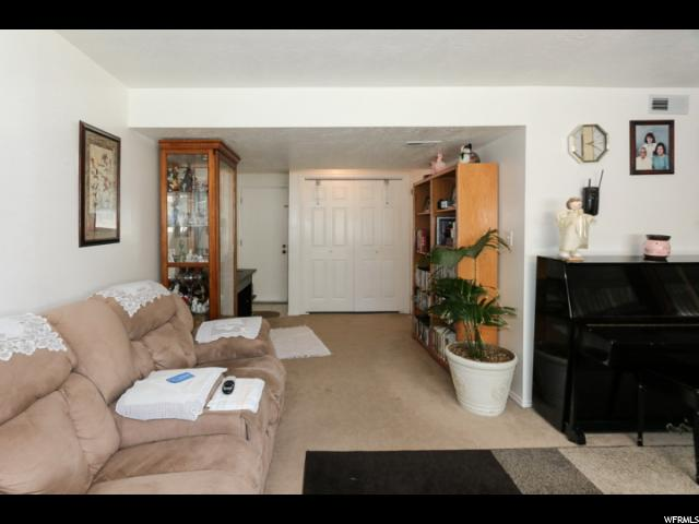 Additional photo for property listing at 7036 CHULA Drive 7036 CHULA Drive Magna, Utah 84044 États-Unis