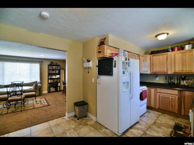 Additional photo for property listing at 5930 S HUMMEL Drive 5930 S HUMMEL Drive Kearns, 犹他州 84118 美国
