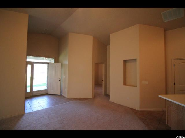 Additional photo for property listing at 6332 S LAURA JO Lane 6332 S LAURA JO Lane Taylorsville, 犹他州 84129 美国