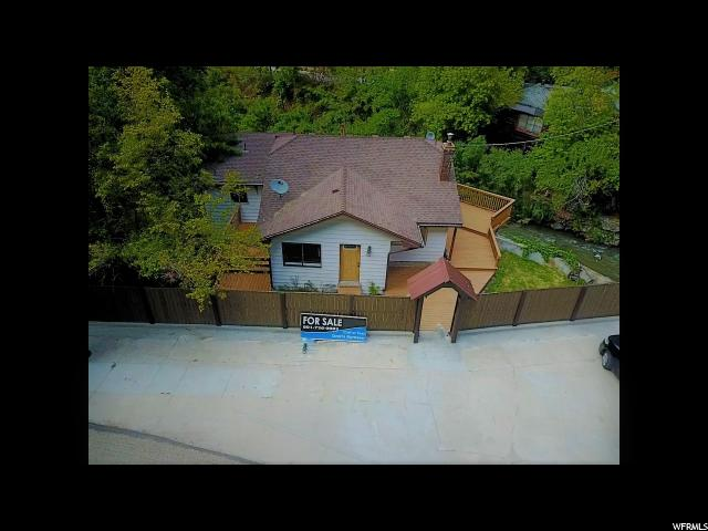 单亲家庭 为 销售 在 311 OGDEN CANYON 311 OGDEN CANYON 奥格登, 犹他州 84401 美国