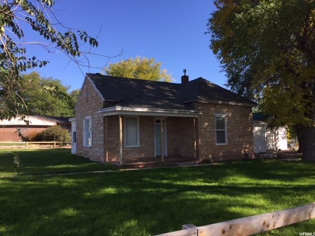 单亲家庭 为 销售 在 15 E CENTER 15 E CENTER Aurora, 犹他州 84620 美国