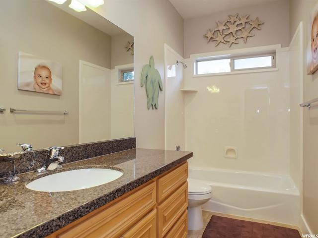 1517 E LAKEVIEW WAY Ogden, UT 84403 - MLS #: 1484779