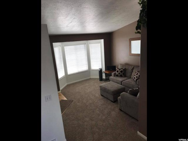 Additional photo for property listing at 2670 W 4000 S 2670 W 4000 S Roy, 犹他州 84067 美国