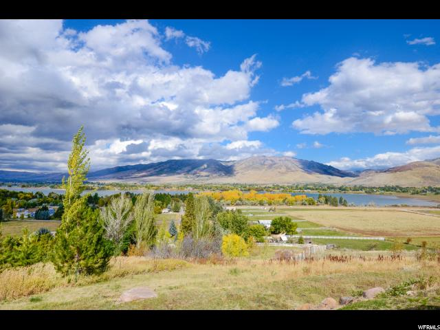 Additional photo for property listing at 6836 E 1100 S 6836 E 1100 S Huntsville, Utah 84317 United States