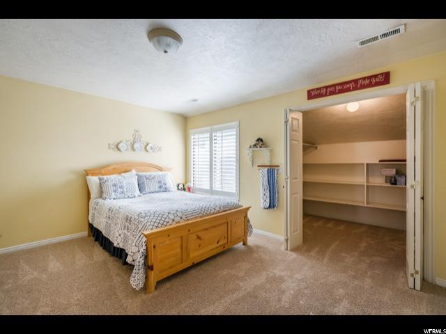 8726 S OAKWOOD PARK CIR Sandy, UT 84094 - MLS #: 1484997