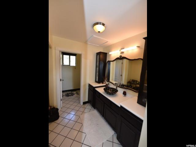 Additional photo for property listing at 8214 S SCANDIA WAY 8214 S SCANDIA WAY Sandy, Utah 84093 États-Unis