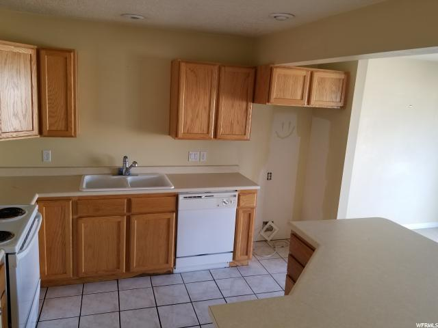 Additional photo for property listing at 2948 W 1170 N 2948 W 1170 N 普若佛, 犹他州 84601 美国