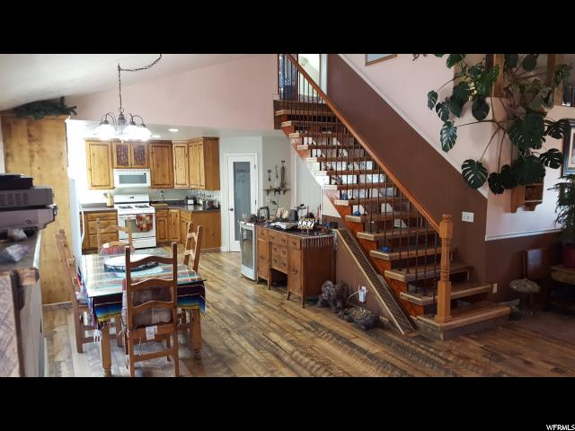 Additional photo for property listing at 337 S 800 E 337 S 800 E Santaquin, Юта 84655 Соединенные Штаты