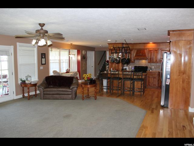 Additional photo for property listing at 4943 W 2100 S 4943 W 2100 S Taylor, Utah 84401 États-Unis