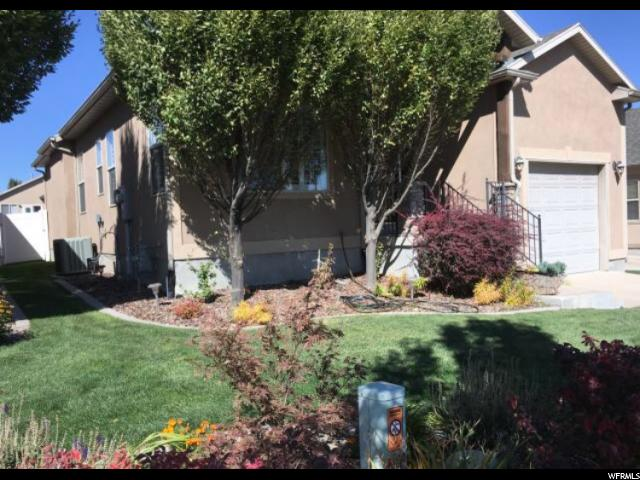 Additional photo for property listing at 7928 S RANCHHAND Road 7928 S RANCHHAND Road West Jordan, Utah 84081 États-Unis