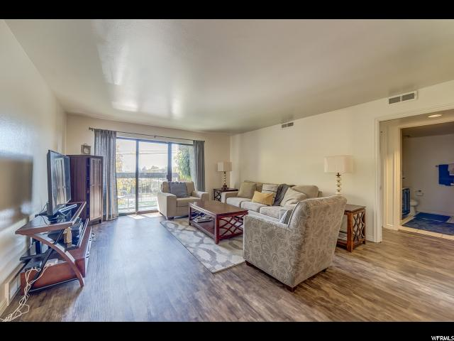 Condominio por un Venta en 2244 N CANYON Road 2244 N CANYON Road Unit: 102 Provo, Utah 84604 Estados Unidos