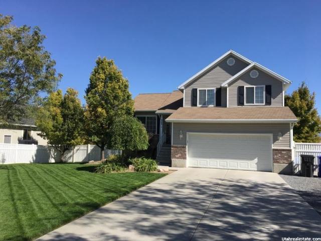 单亲家庭 为 销售 在 903 S POPLAR Lane 903 S POPLAR Lane Grantsville, 犹他州 84029 美国