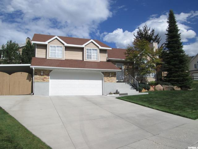 Single Family للـ Sale في 10145 S BANNOR HL 10145 S BANNOR HL Sandy, Utah 84092 United States
