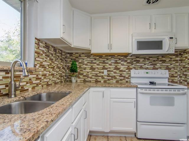 Additional photo for property listing at 10142 S AMARYLLIS Street 10142 S AMARYLLIS Street Sandy, Юта 84094 Соединенные Штаты
