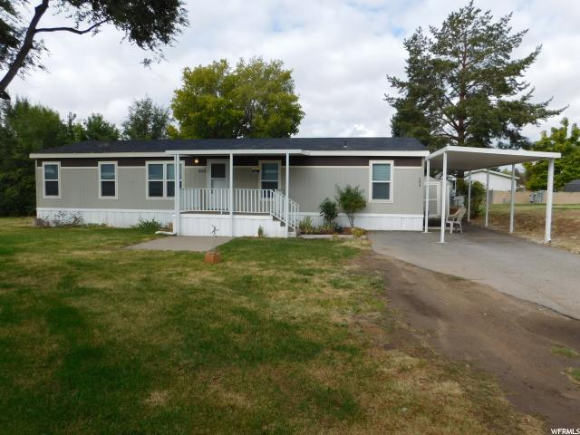 Частный односемейный дом для того Продажа на 304 N HARRIGER WAY 304 N HARRIGER WAY Layton, Юта 84041 Соединенные Штаты