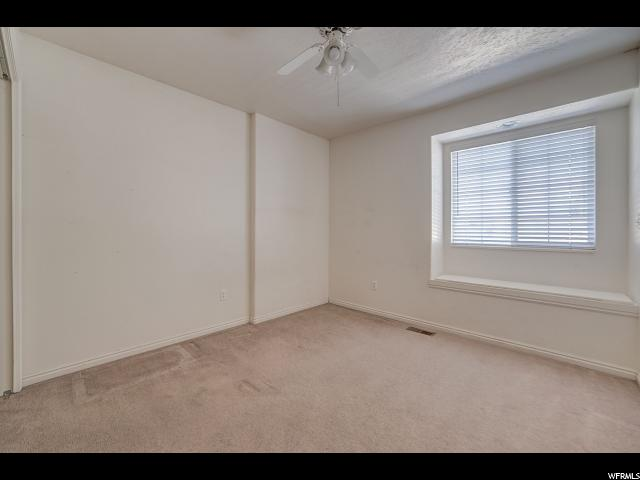 Additional photo for property listing at 955 W 550 N 955 W 550 N Pleasant Grove, Utah 84062 États-Unis