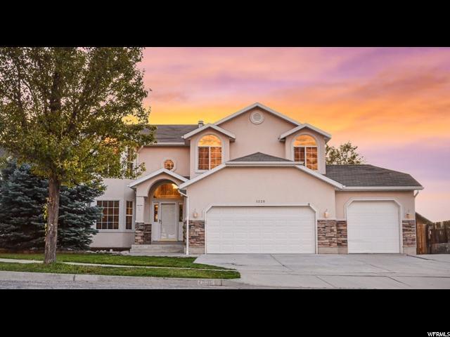 Unique la famille pour l Vente à 1339 N LEWIS PEAK Drive 1339 N LEWIS PEAK Drive Ogden, Utah 84404 États-Unis