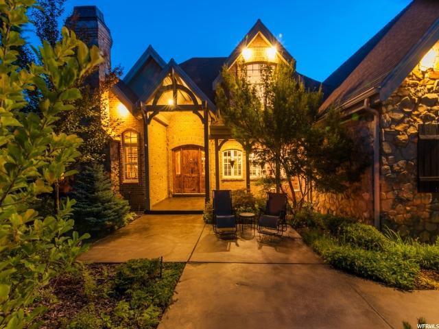 Single Family for Sale at 2732 S OAKWOOD Drive 2732 S OAKWOOD Drive Bountiful, Utah 84010 United States