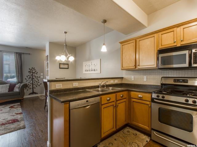 877 N FARMINGTON CROSSING Farmington, UT 84025 - MLS #: 1485520