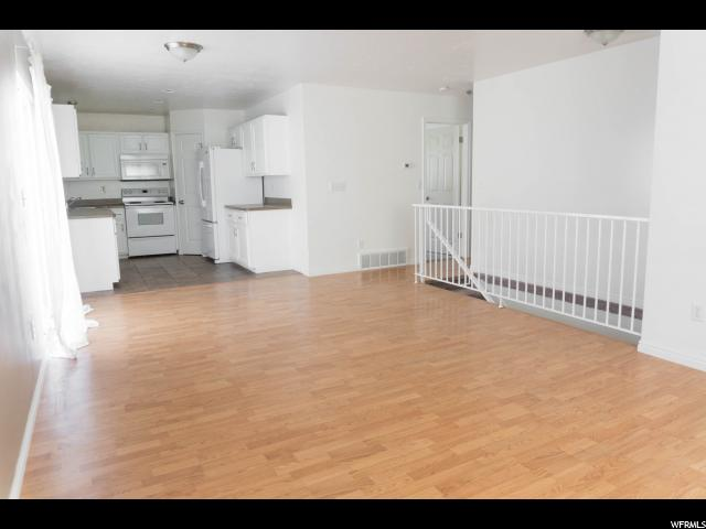Additional photo for property listing at 1074 E CANFIELD Drive 1074 E CANFIELD Drive Ogden, Utah 84404 Estados Unidos