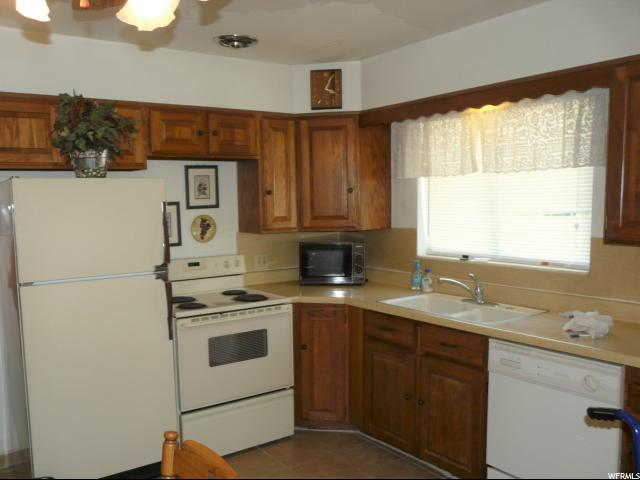 Additional photo for property listing at 3429 S RULON Street 3429 S RULON Street Magna, Utah 84044 États-Unis