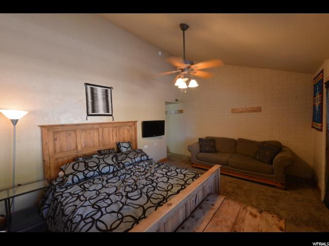 1659 N CAPTAIN MOLLY DR Unit 210 Park City, UT 84060 - MLS #: 1485730