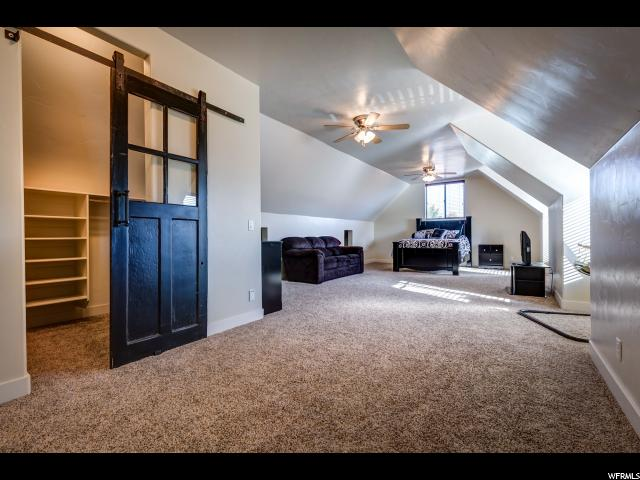 Additional photo for property listing at 2211 W 3000 N 2211 W 3000 N Vernal, Utah 84078 États-Unis