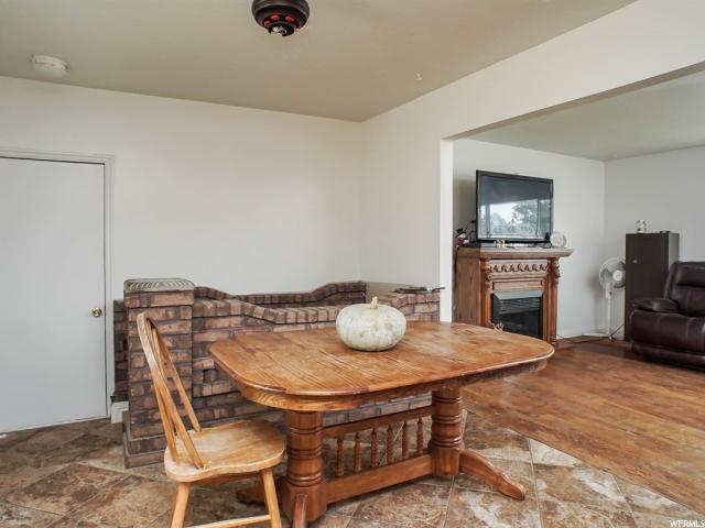 Additional photo for property listing at 1740 N 1575 W 1740 N 1575 W Layton, Utah 84041 États-Unis