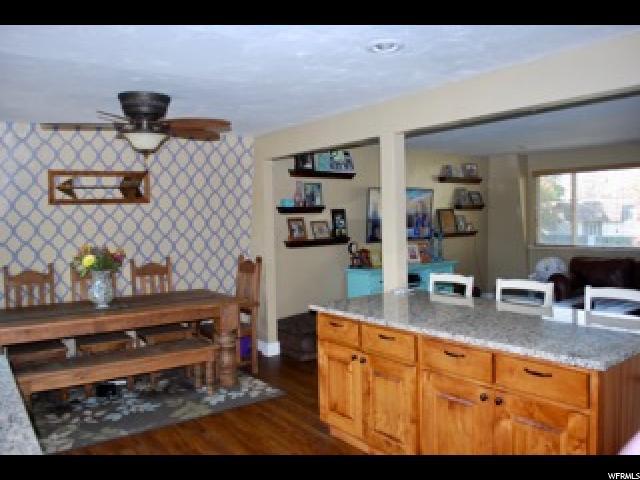 Additional photo for property listing at 10321 S VIOLET Drive 10321 S VIOLET Drive Sandy, Utah 84094 Estados Unidos
