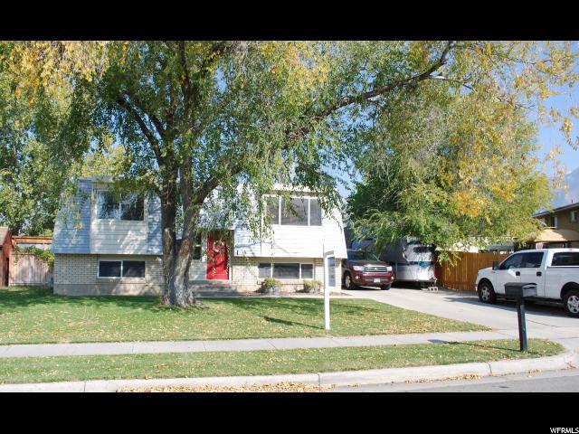 Unifamiliar por un Venta en 10321 S VIOLET Drive 10321 S VIOLET Drive Sandy, Utah 84094 Estados Unidos