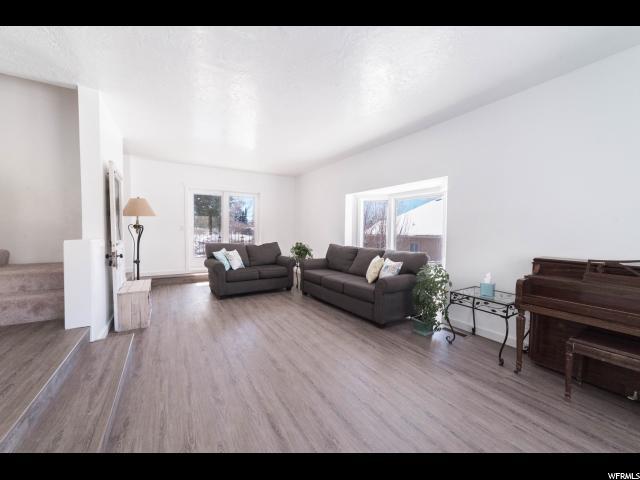 Additional photo for property listing at 766 E 2950 N 766 E 2950 N Provo, Utah 84606 Estados Unidos