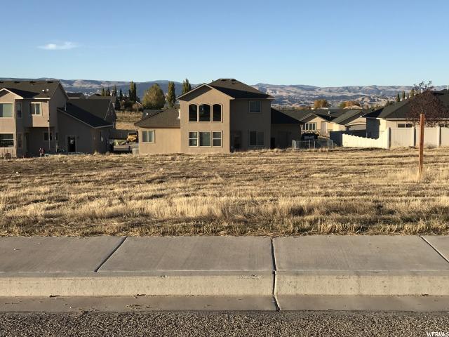 Additional photo for property listing at 319 E 2970 S 319 E 2970 S Naples, Utah 84078 Estados Unidos