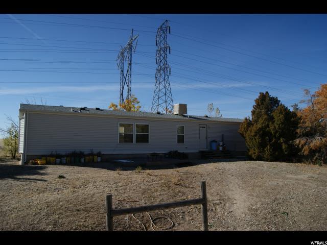 Unique la famille pour l Vente à 7076 N 2200 W 7076 N 2200 W Honeyville, Utah 84314 États-Unis