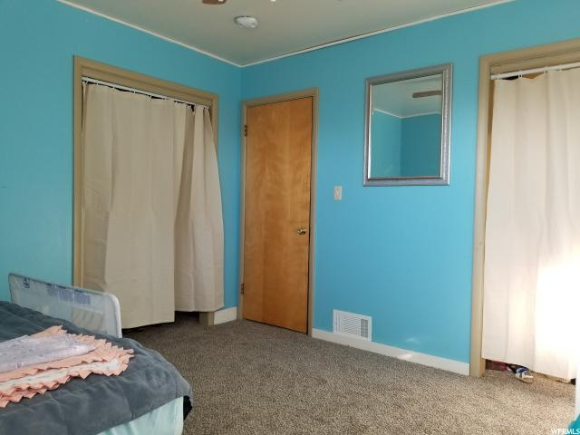 Additional photo for property listing at 241 S 375 E 241 S 375 E Clearfield, 犹他州 84015 美国
