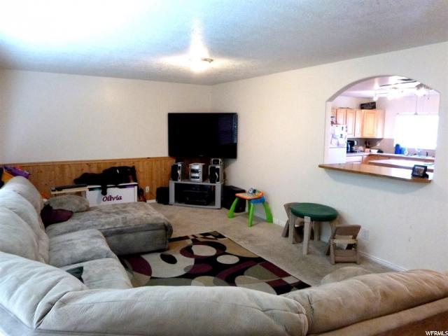 818 N COUNTRY HILLS DR Layton, UT 84040 - MLS #: 1486823