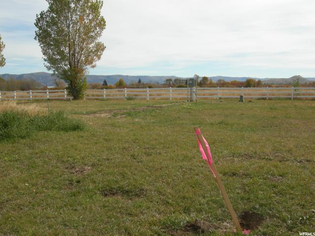 Additional photo for property listing at 650 S MAPLE Drive 650 S MAPLE Drive Garden City, Utah 84028 États-Unis
