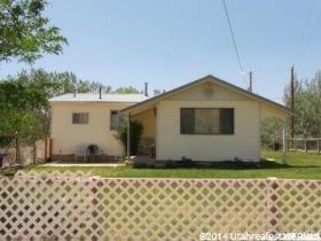 单亲家庭 为 销售 在 6925 N 12125 E 6925 N 12125 E Lapoint, 犹他州 84039 美国