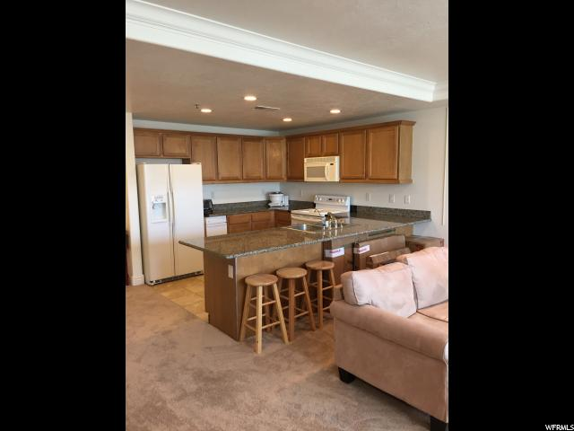 Additional photo for property listing at 3075 E KENNEDY Drive 3075 E KENNEDY Drive Unit: 210 Salt Lake City, Utah 84108 Estados Unidos